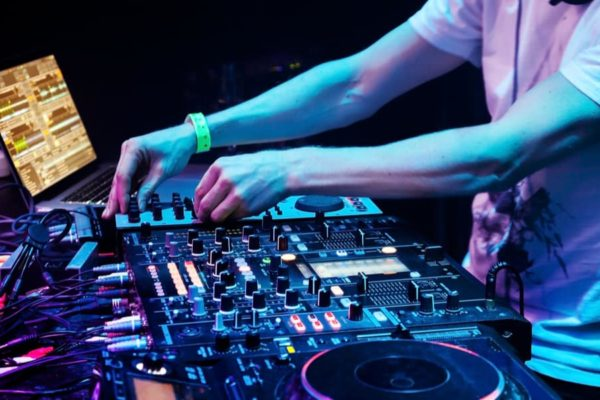 What does a DJ actually do? 9 Things You Need to Know