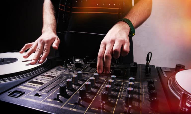 How to Scratch DJ The Unlimited Guide to Learn Scratching