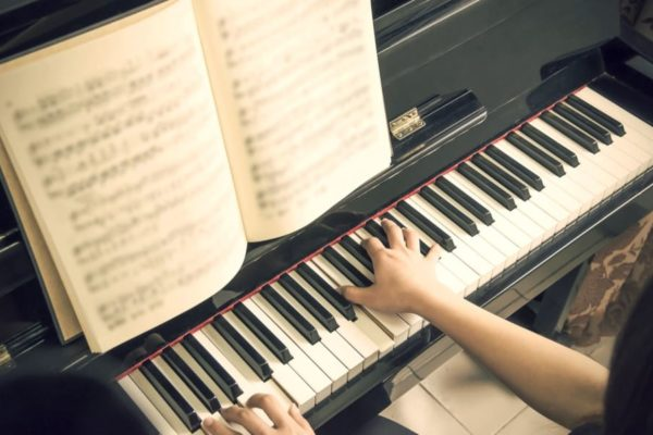 31 Most Famous Piano Songs You May Love