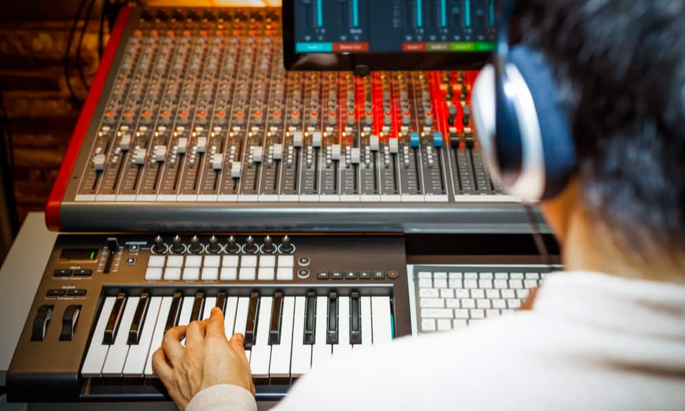 7 Tips to Use a MIDI Keyboard