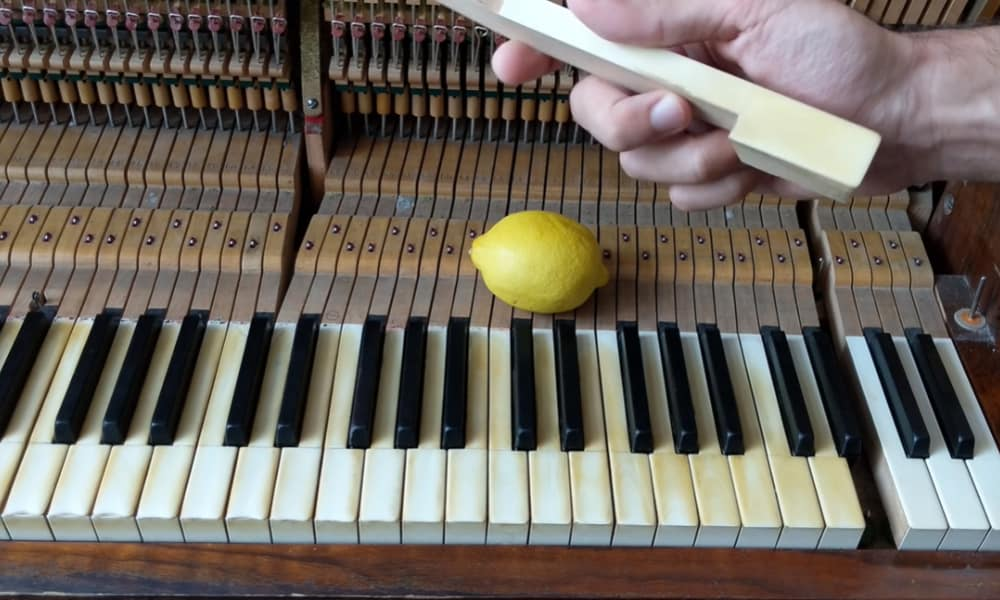 Cleaning ivory piano keys