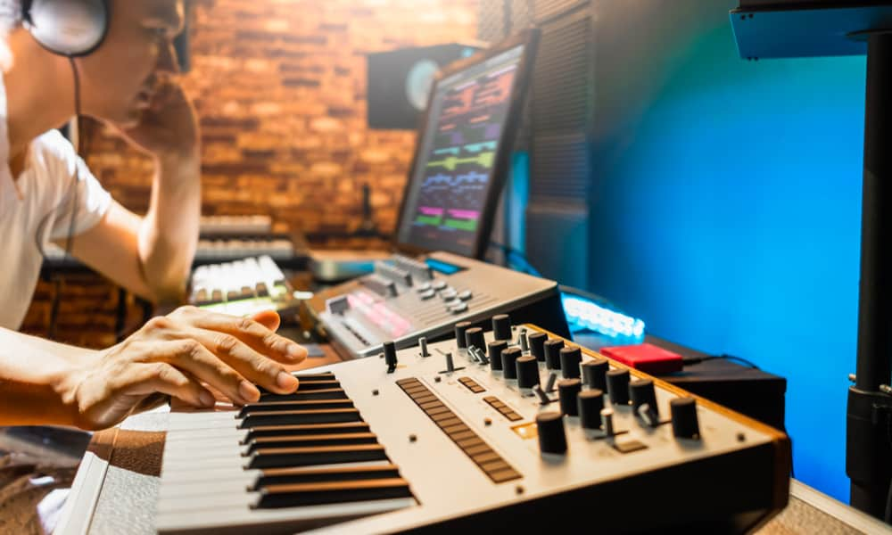 Connect the Midi Keyboard to Different Devices