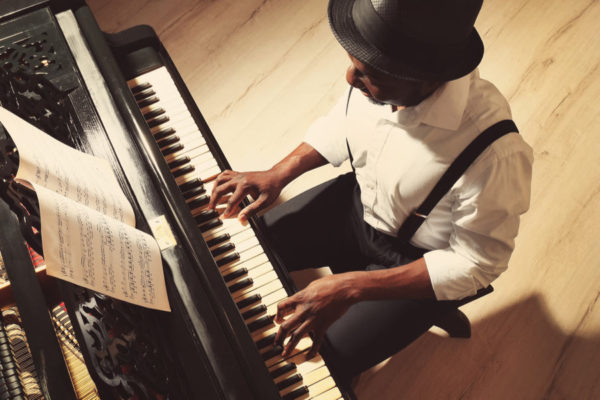 How Many Keys on the Piano & Keyboard