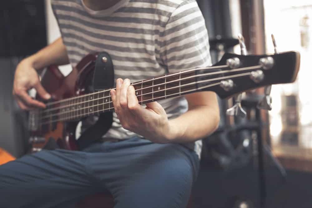 beginner bass guitar