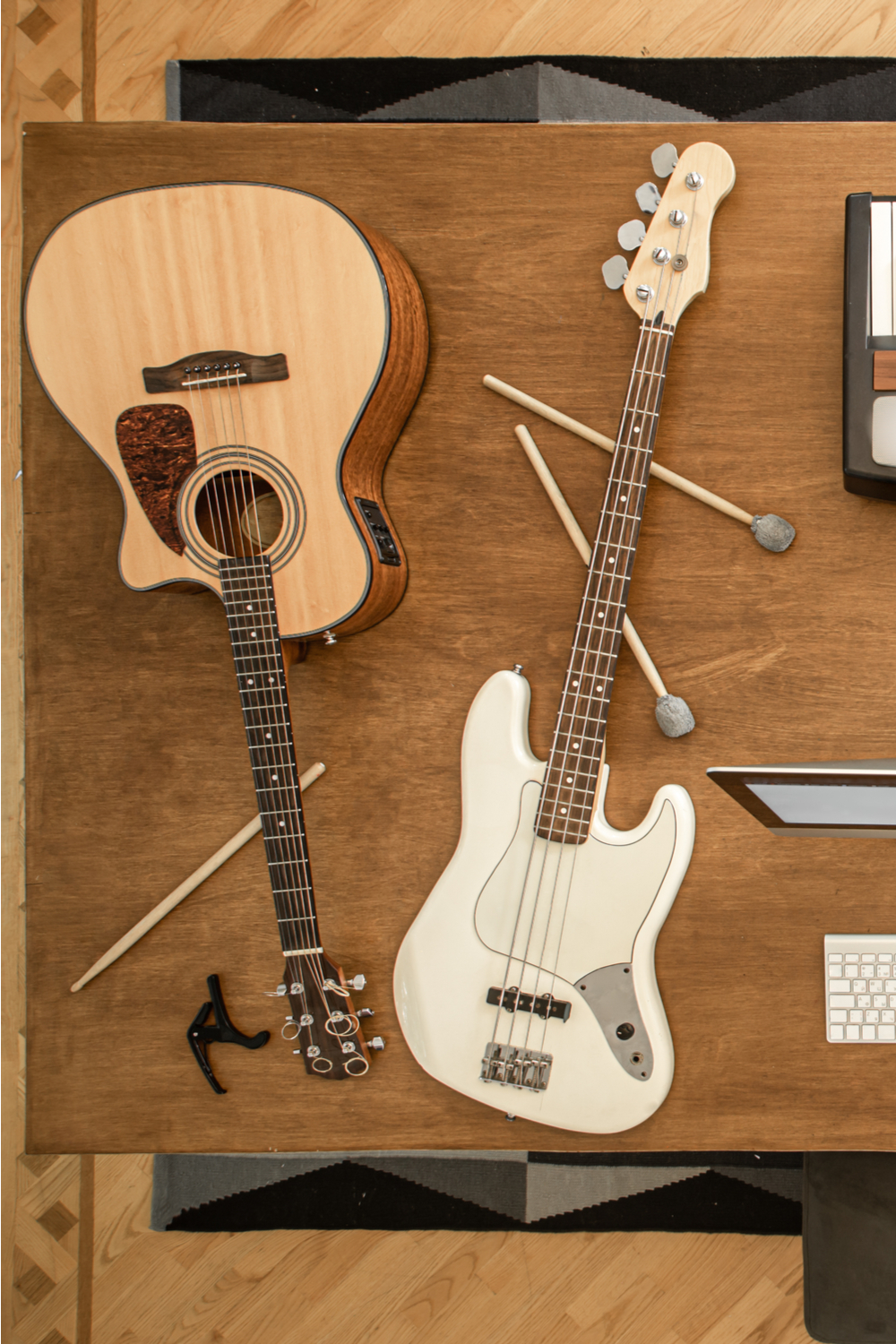 Bass vs. Guitar - Tuning and Sound