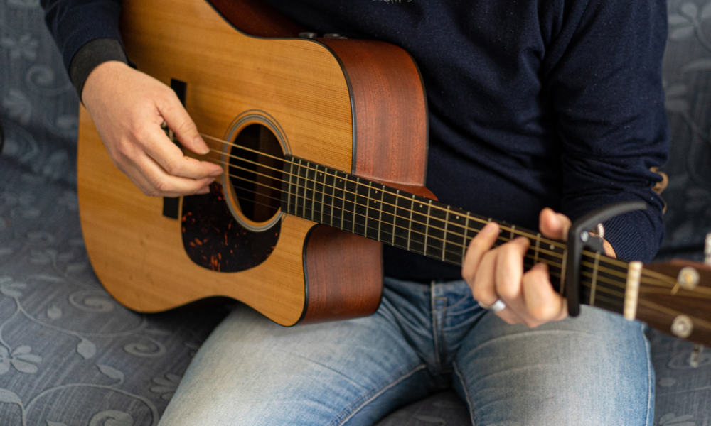 Classical vs. Acoustic Guitar - Sound and Other Differences