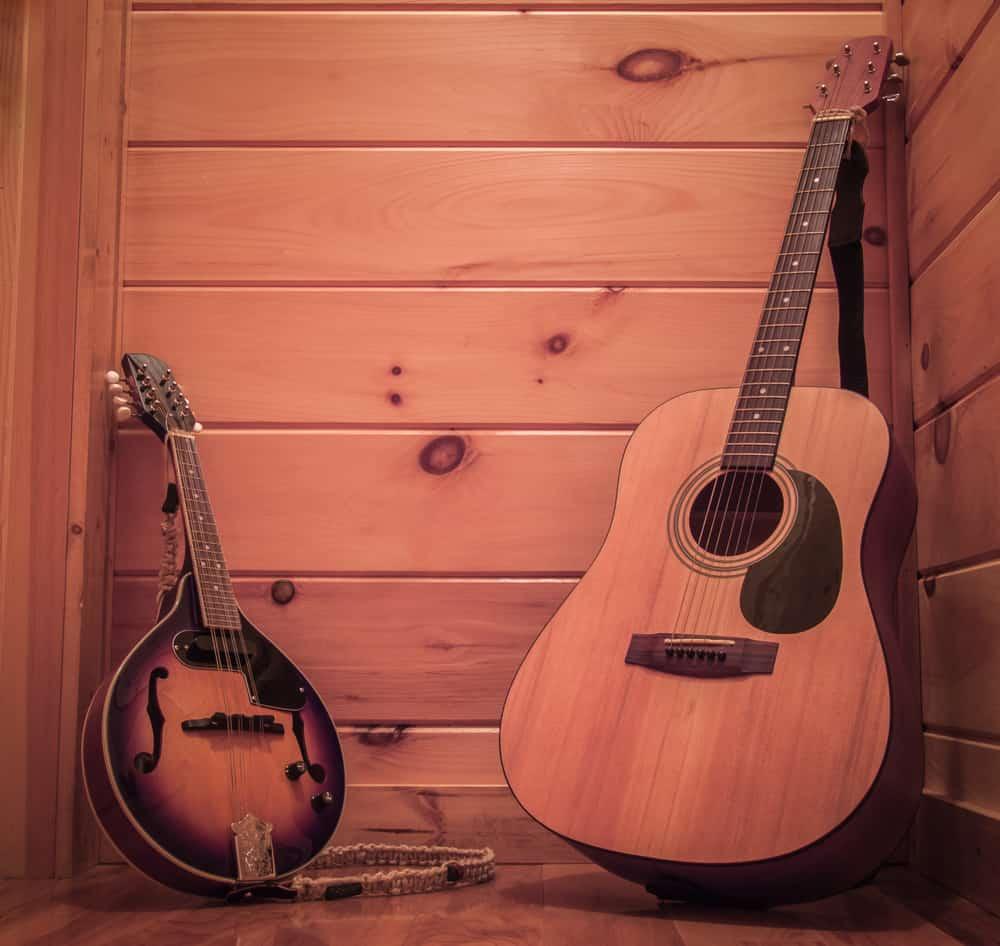 Mandolin vs. Guitar - Size